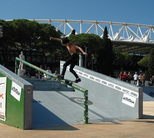 Axel - Fs boardslide
