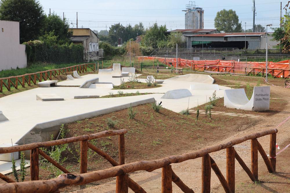 PIetrasanta Skate Plaza Marmo bianco Lucca